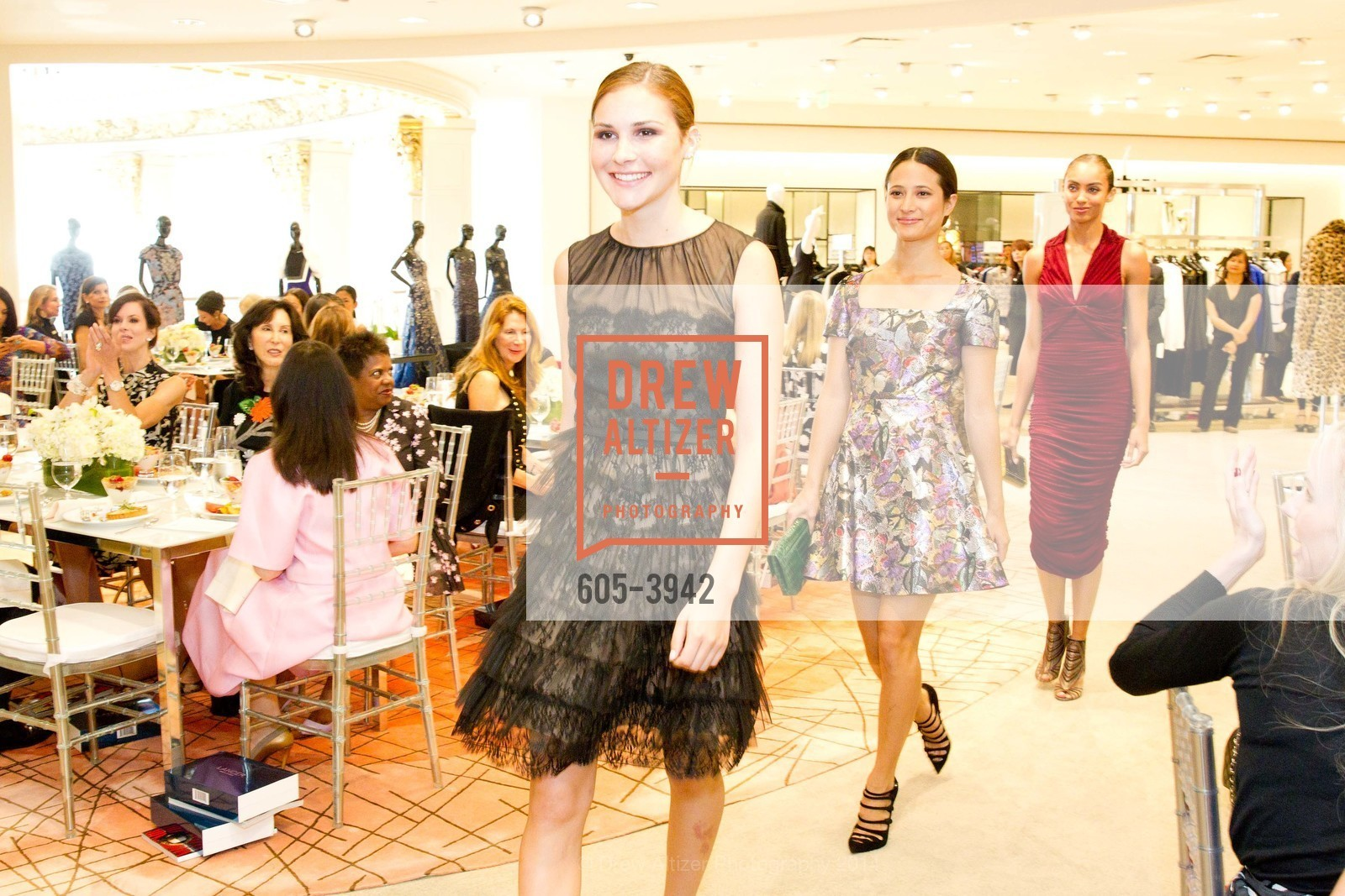 Fashion Show, Photo #605-3942