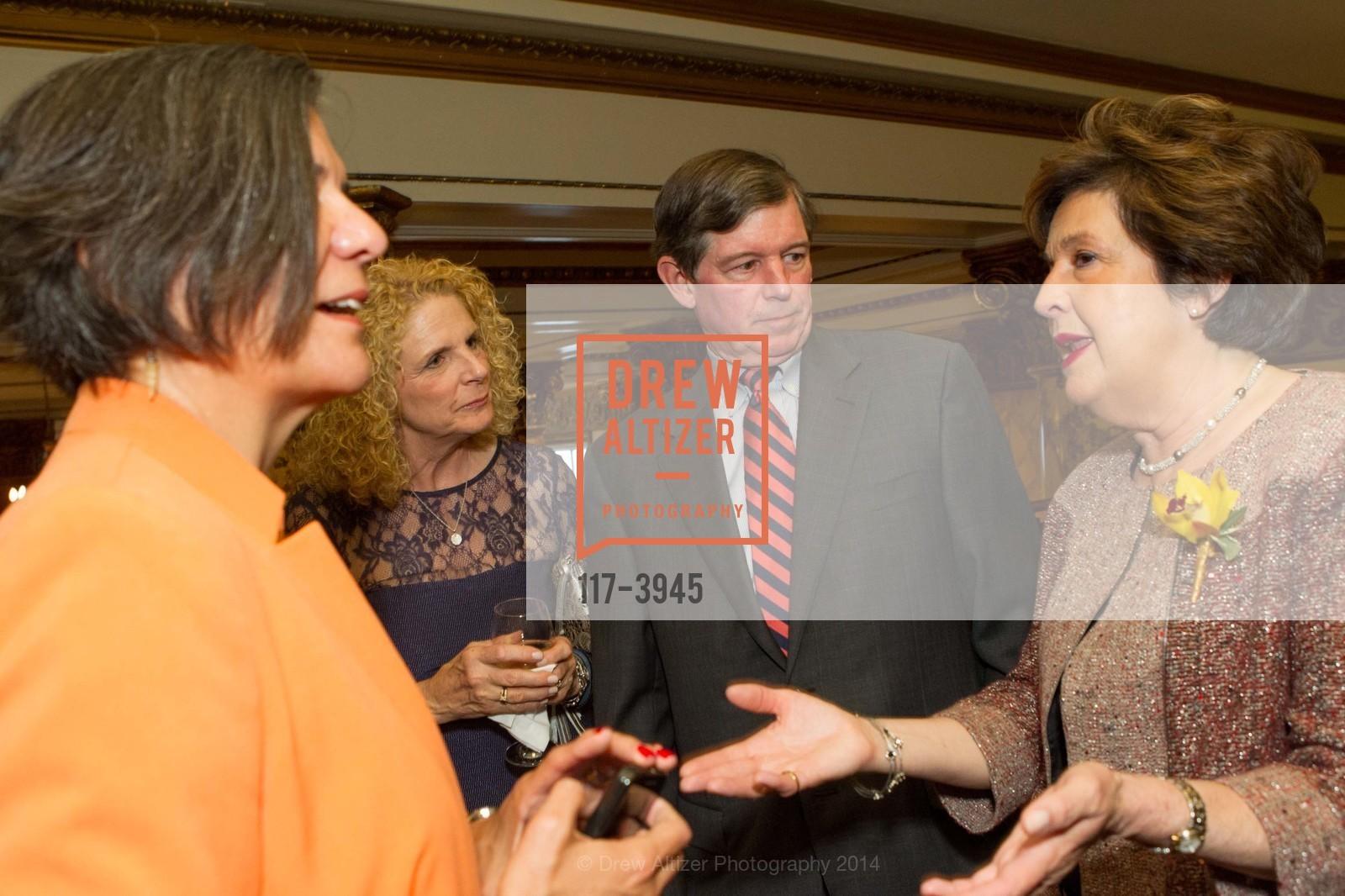 Sandra Hernandez, Sarah Earley, Tony Earley, Aida Alvarez, Photo #117-3945