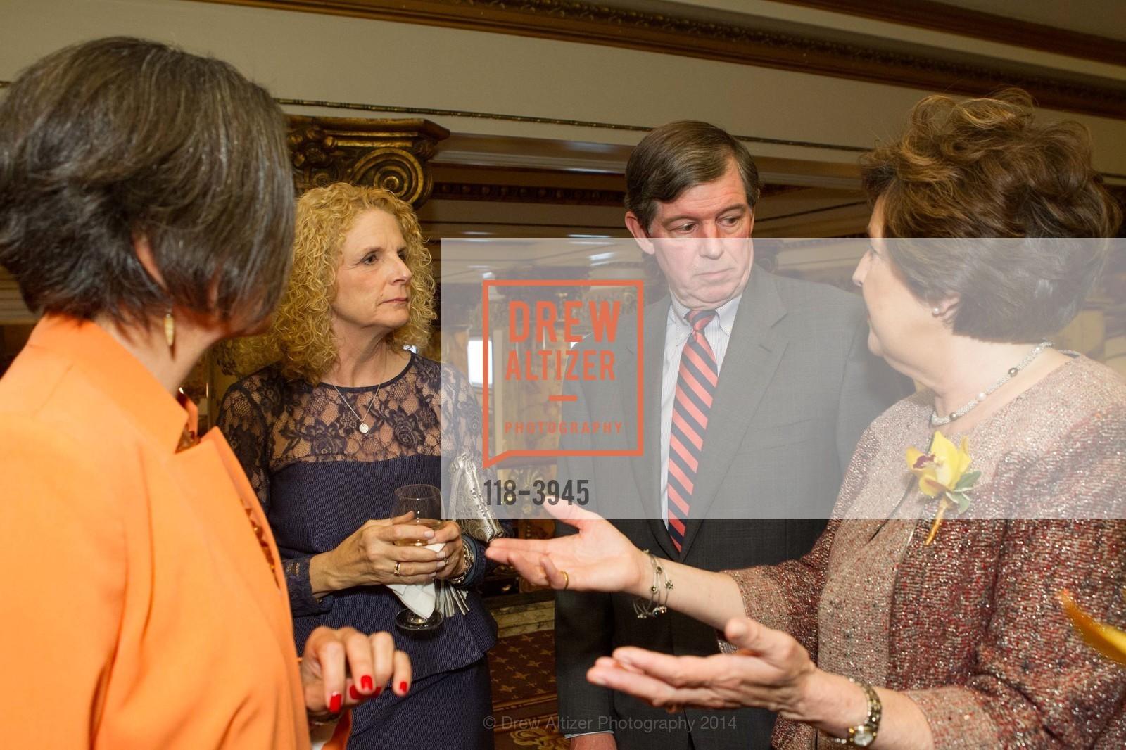 Sandra Hernandez, Sarah Earley, Tony Earley, Aida Alvarez, Photo #118-3945