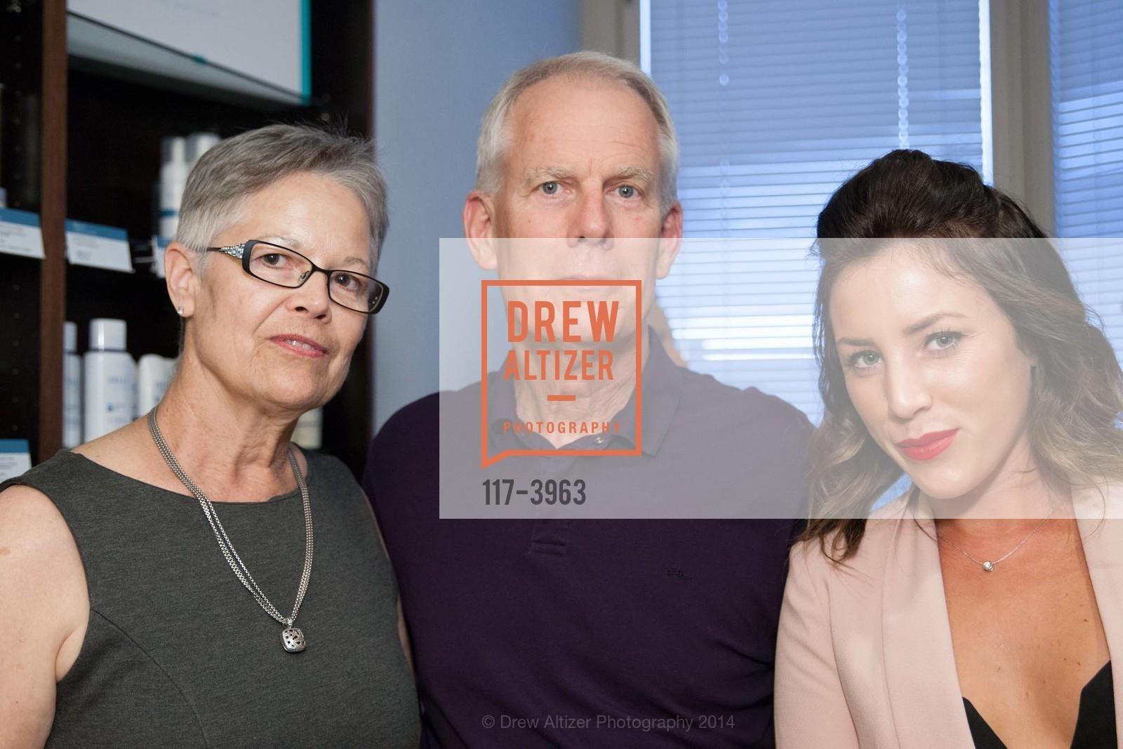 Camilla Olson, Dave Olson, Ashley Dryden, Photo #117-3963