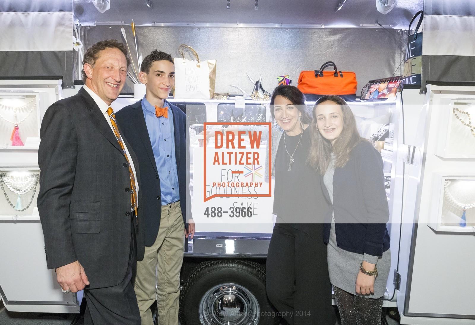 Larry Baer, Zack Baer, Pam Baer, Alana Baer, Photo #488-3966