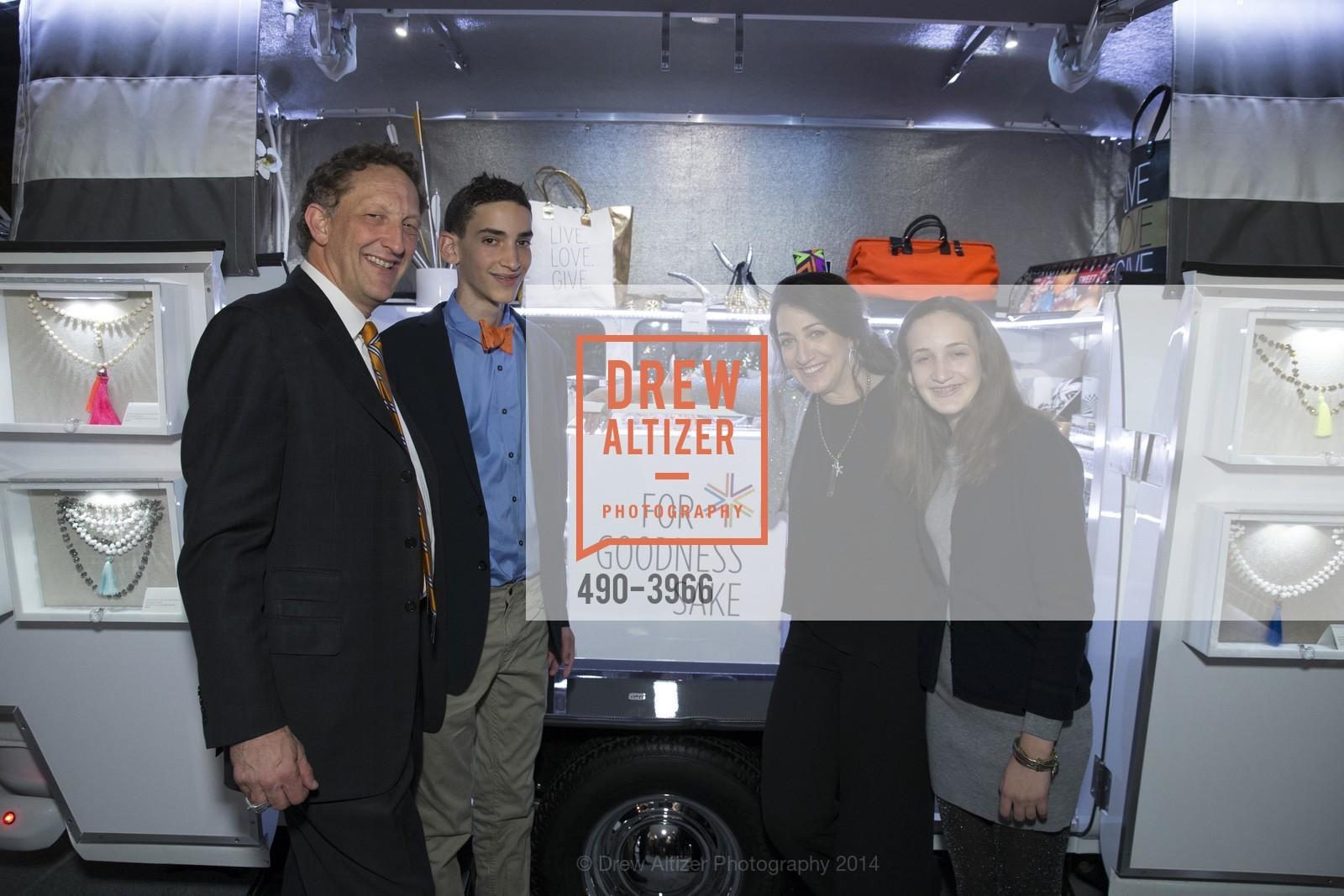 Larry Baer, Zack Baer, Pam Baer, Alana Baer, Photo #490-3966
