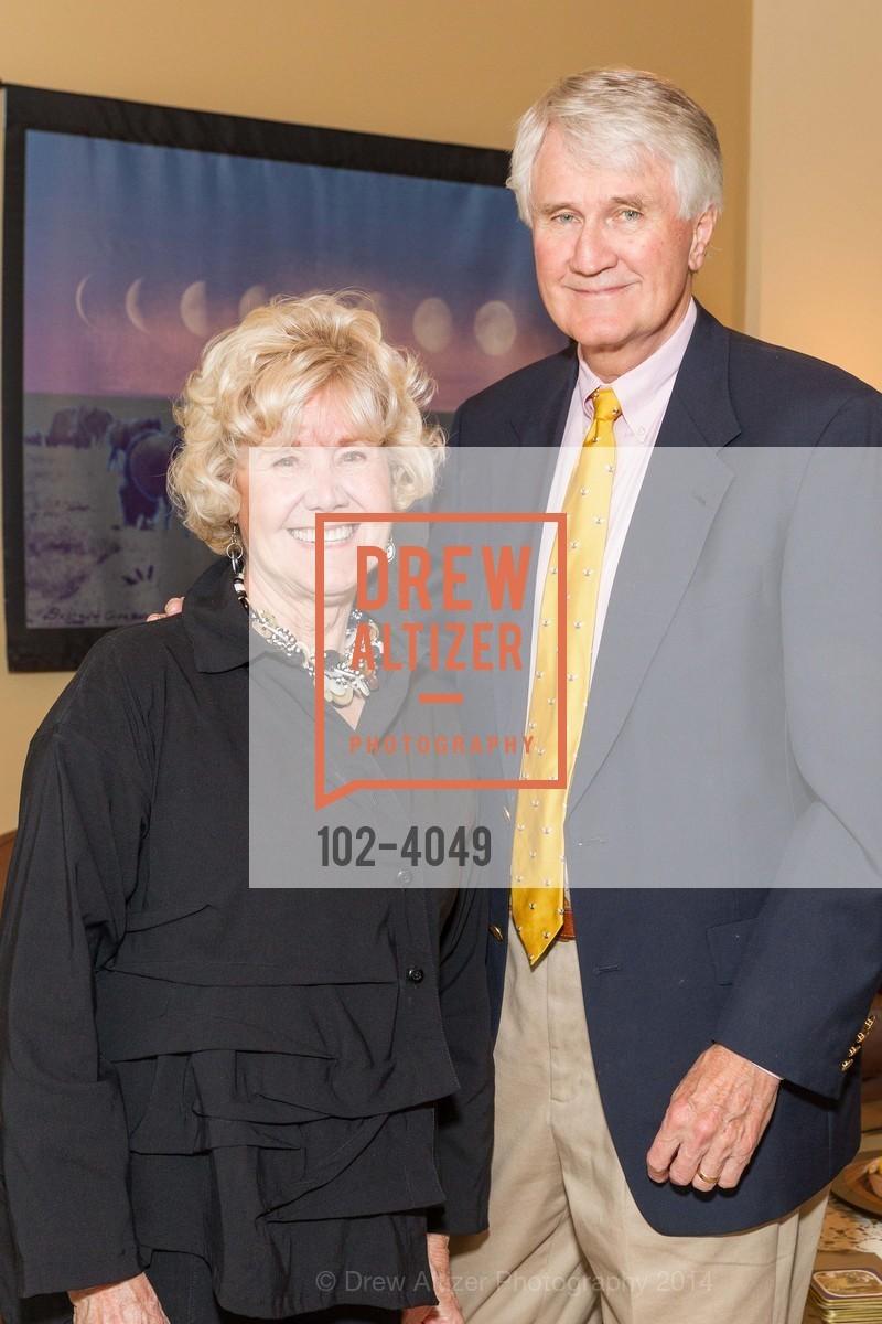 Nancy Roe, Photo #102-4049