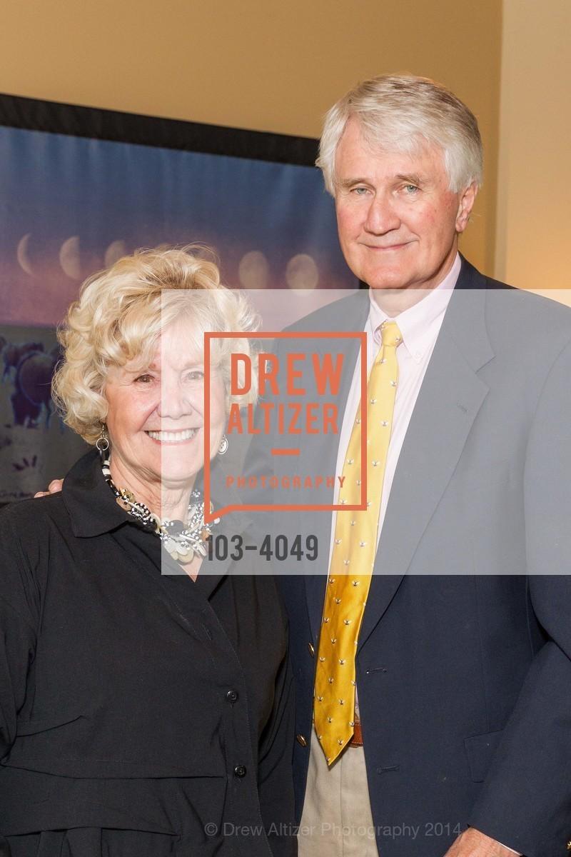 Nancy Roe, Bill Roe, Photo #103-4049