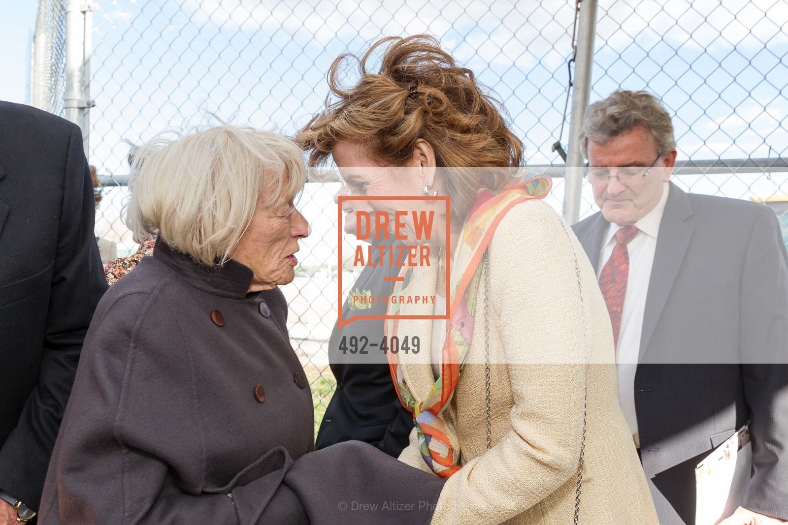 Margrit Mondavi, Chancellor Linda Katehi, Photo #492-4049