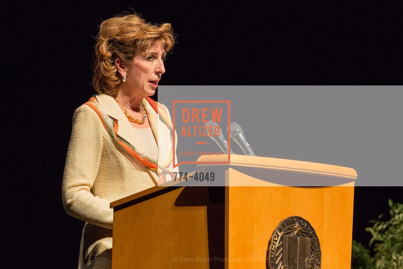 Chancellor Linda Katehi, Photo #774-4049