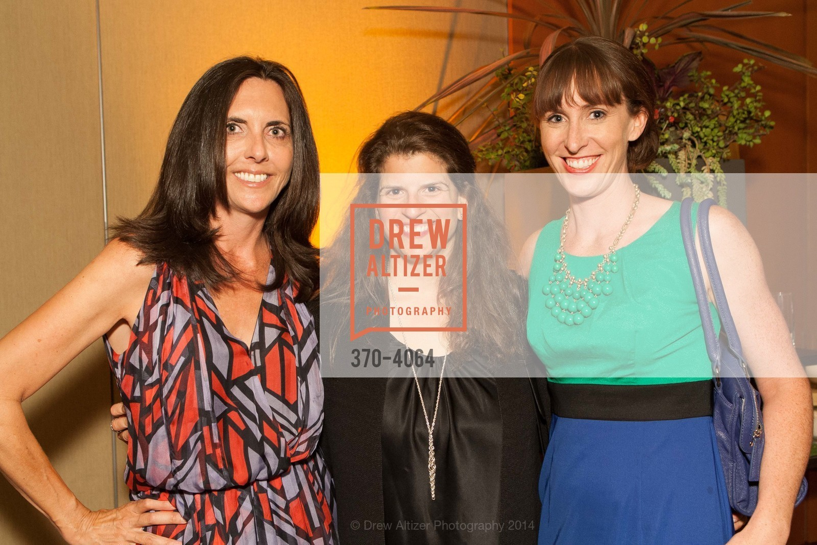Michele Sharkey, Amy Wender-Hoch, Michelle Lago, Photo #370-4064