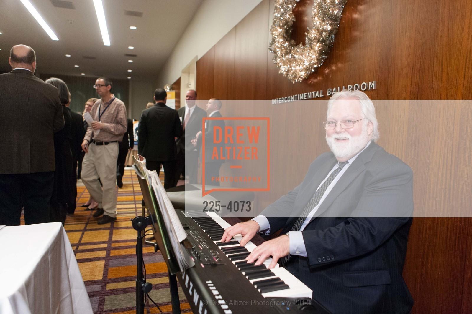 Pianist, Photo #225-4073