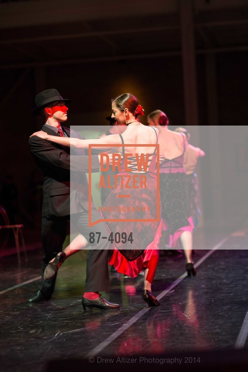Performance, Photo #87-4094