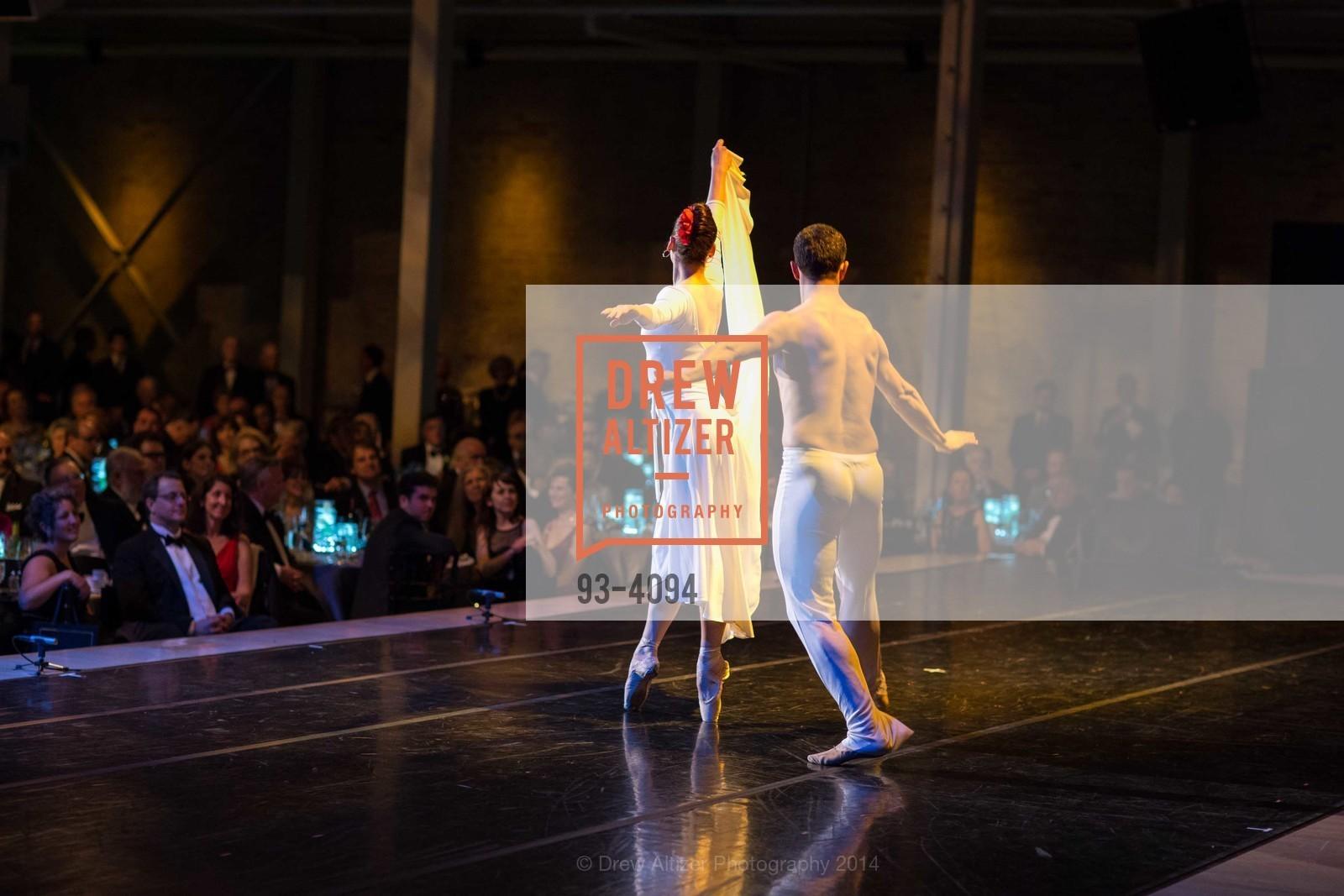 Performance, Photo #93-4094