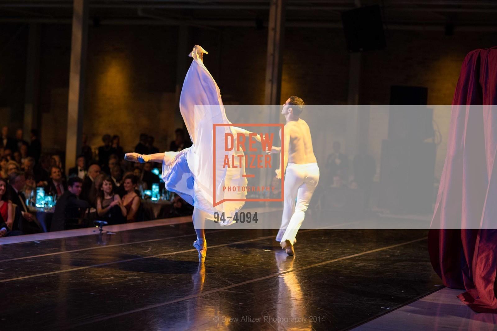 Performance, Photo #94-4094
