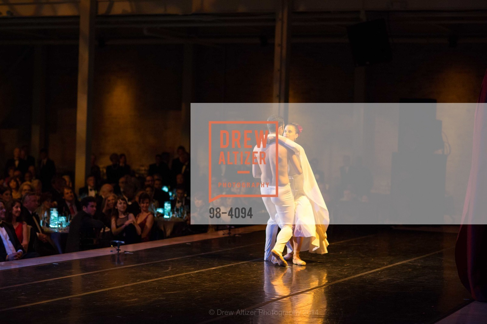 Performance, Photo #98-4094