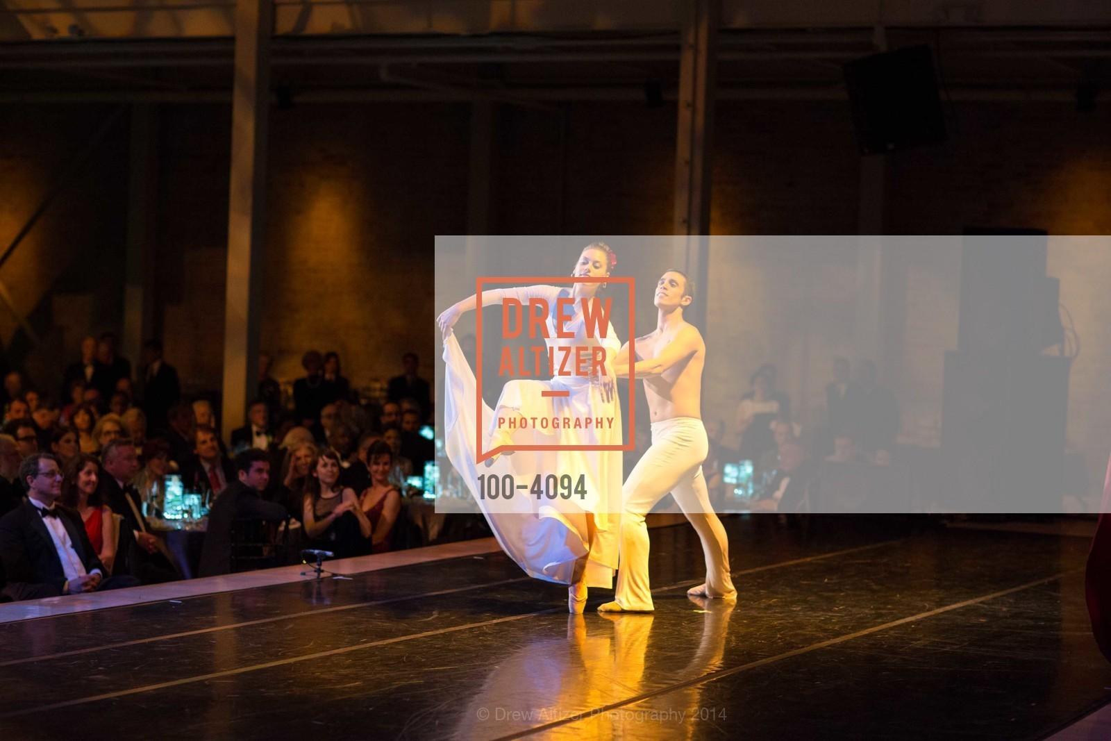 Performance, Photo #100-4094