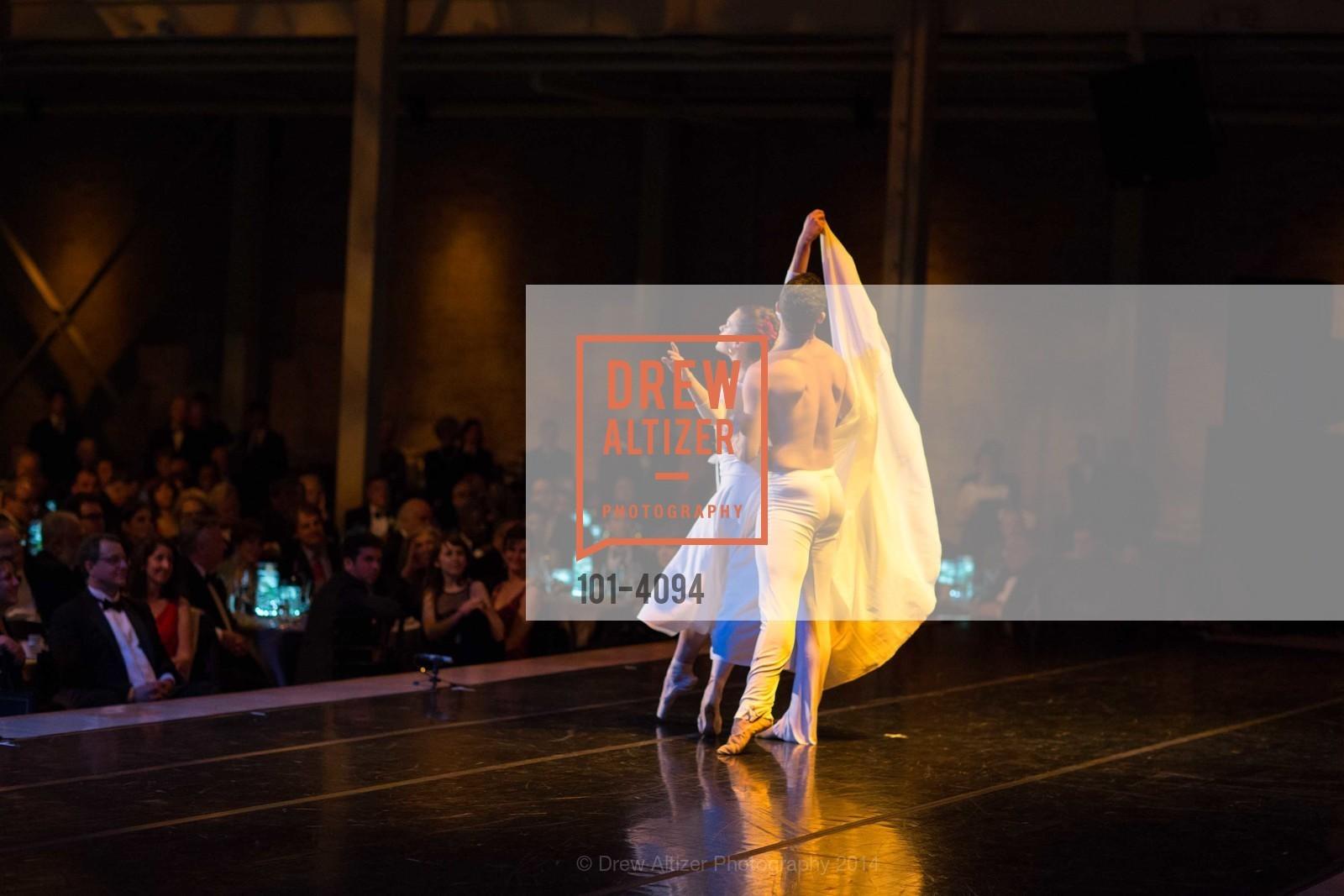 Performance, Photo #101-4094