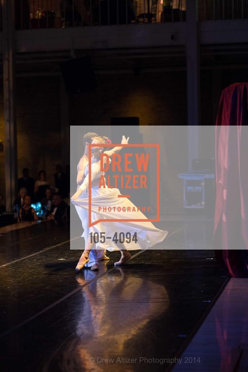 Performance, Photo #105-4094