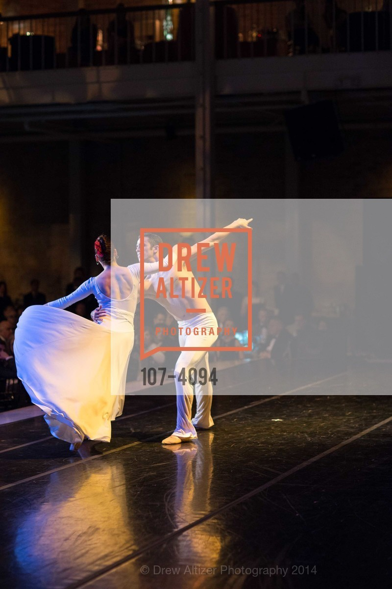 Performance, Photo #107-4094
