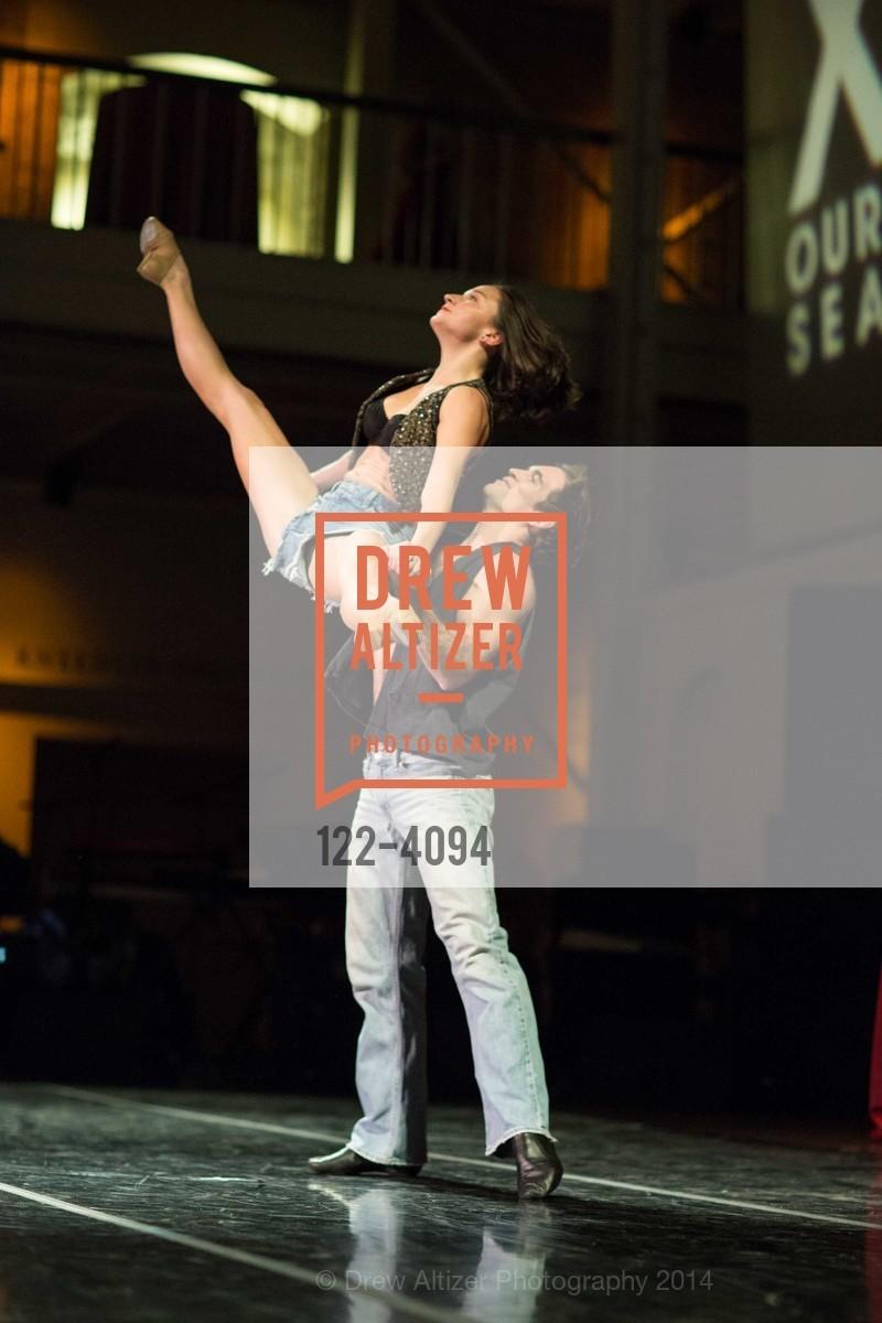 Performance, Photo #122-4094