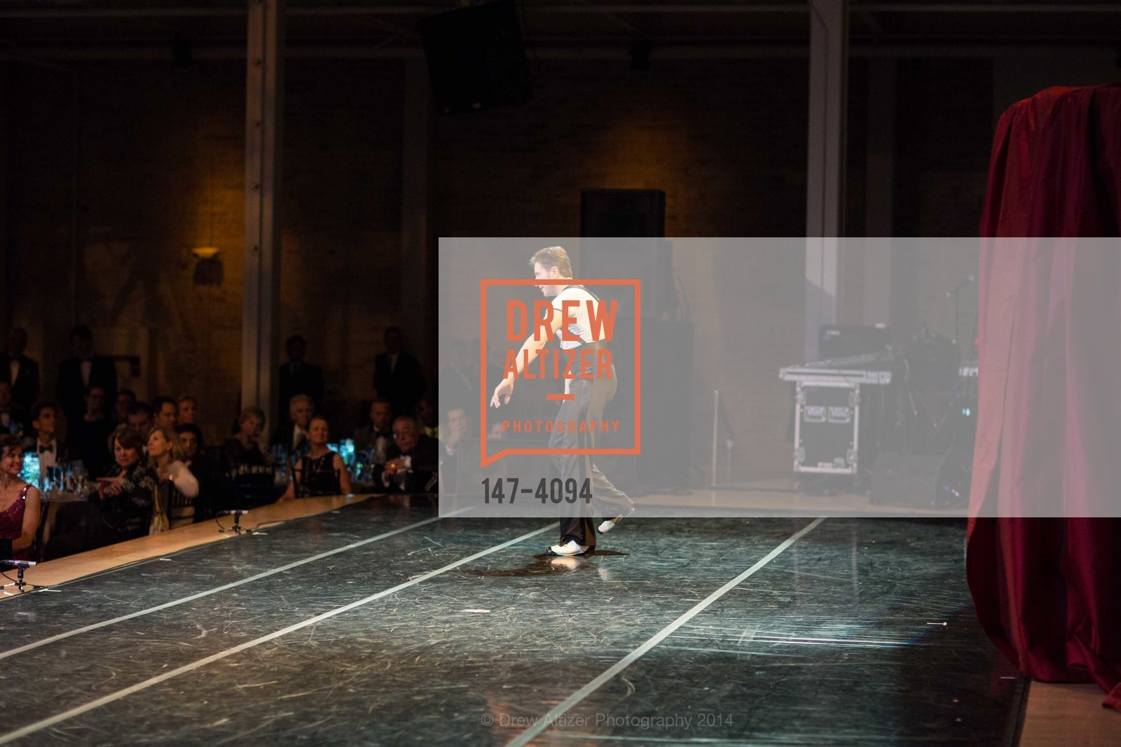 Performance, Photo #147-4094