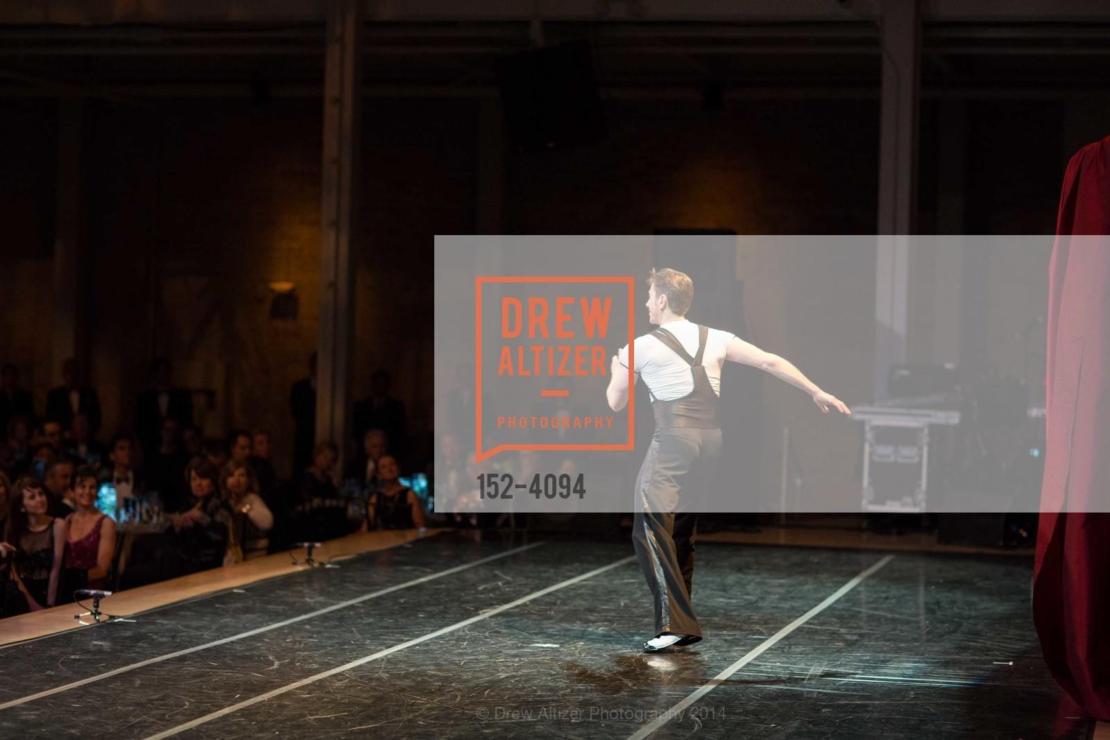 Performance, Photo #152-4094