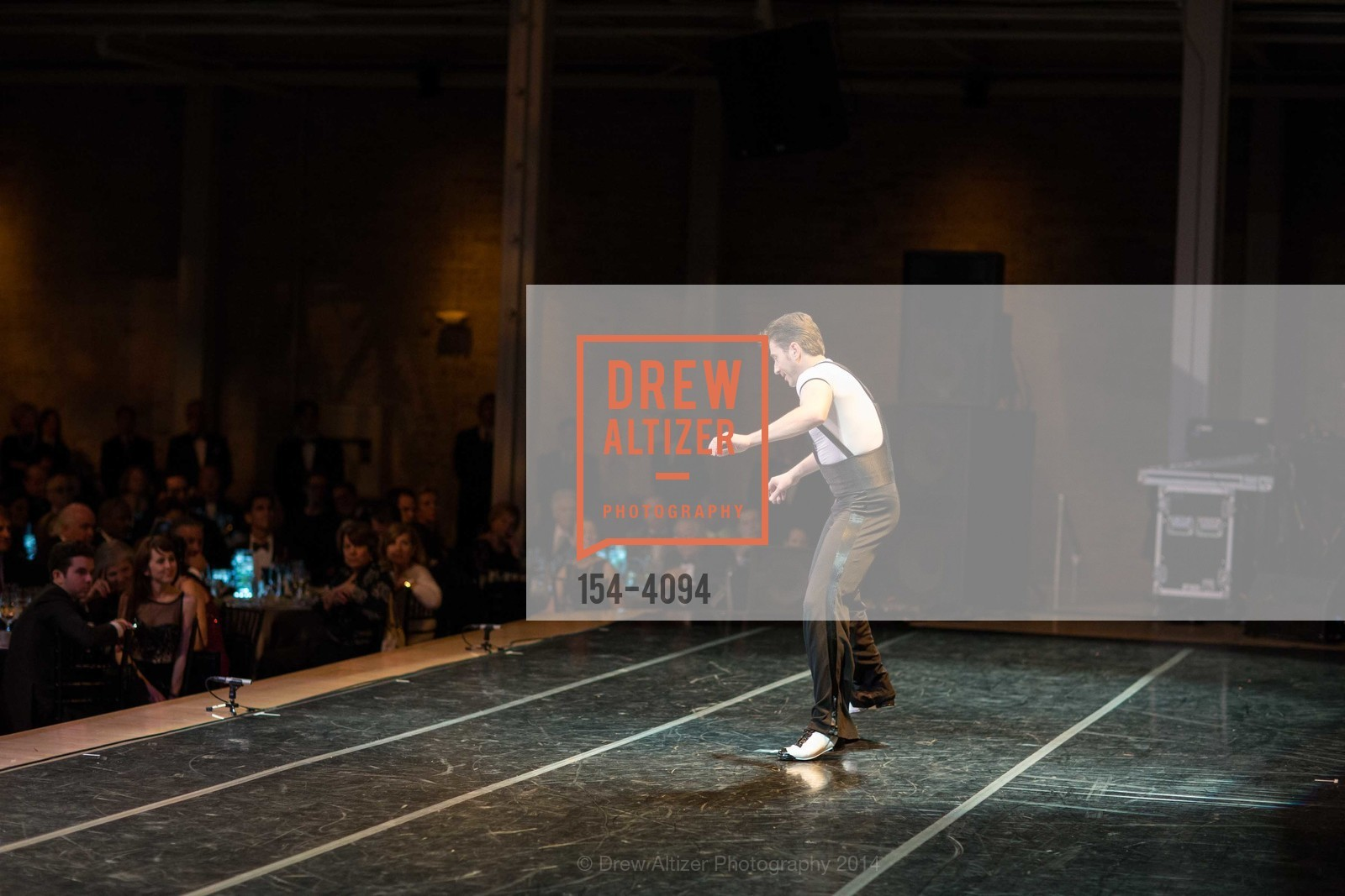 Performance, Photo #154-4094