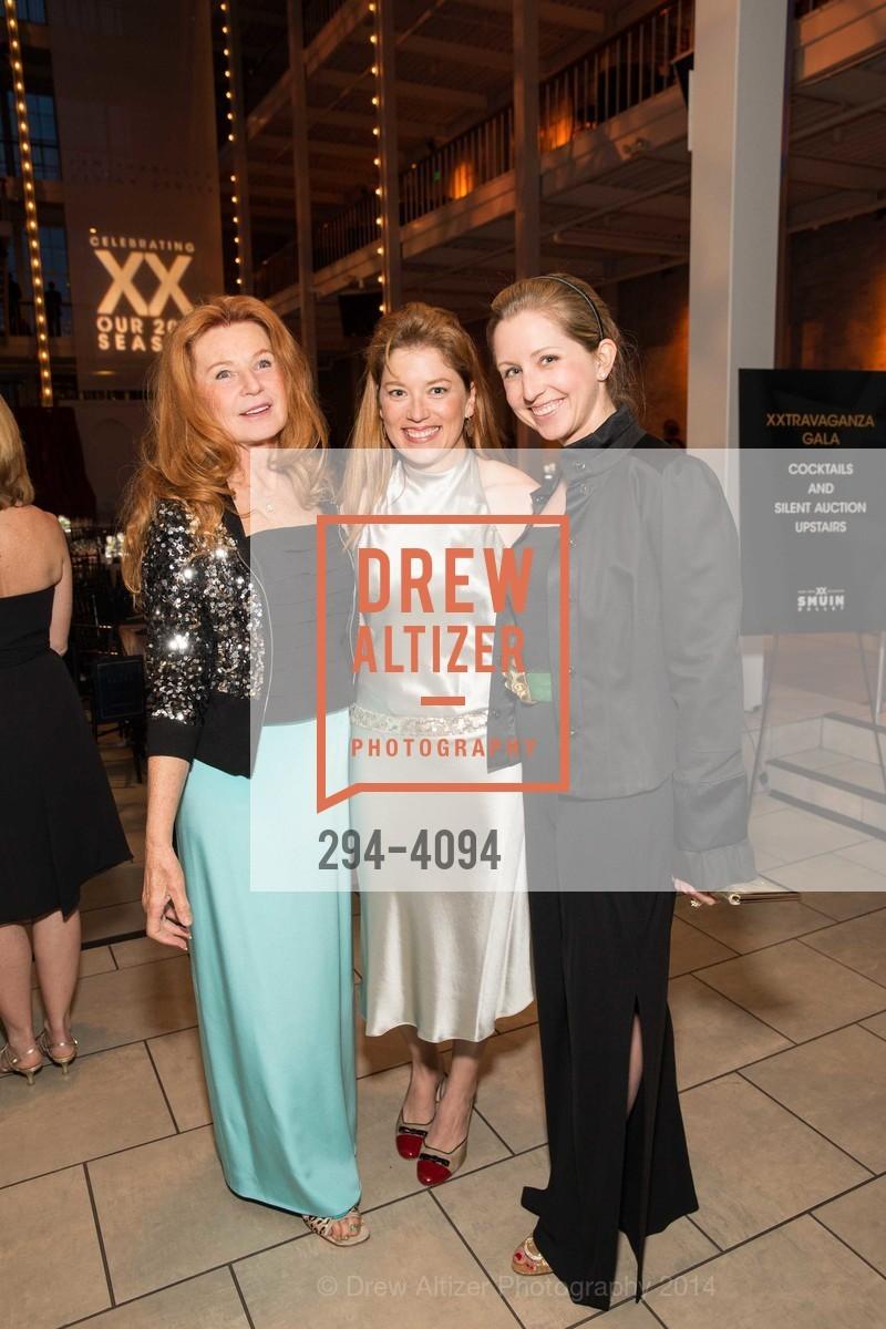 Sandy Schlumberger, Sabrina Schlumberger, Roxane Schulmberger Hume, Photo #294-4094