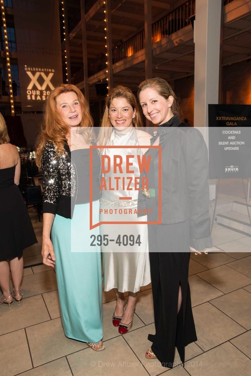 Sandy Schlumberger, Sabrina Schlumberger, Roxane Schulmberger Hume, Photo #295-4094