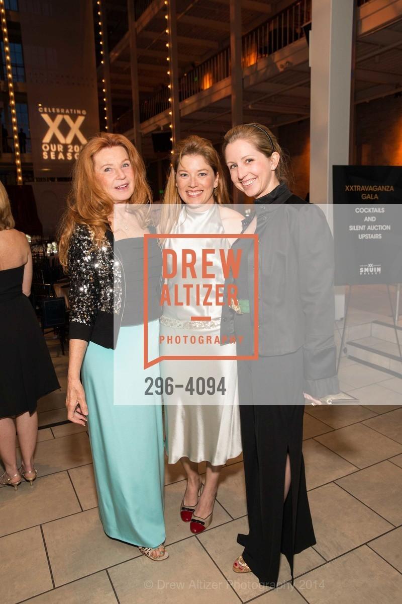Sandy Schlumberger, Sabrina Schlumberger, Roxane Schulmberger Hume, Photo #296-4094