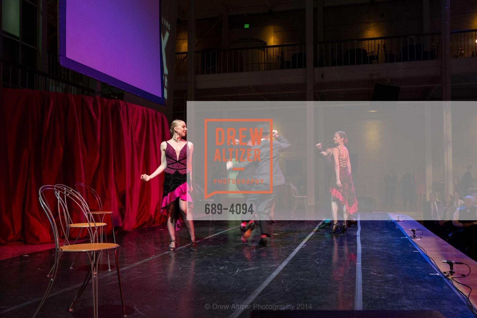 Performance, Photo #689-4094