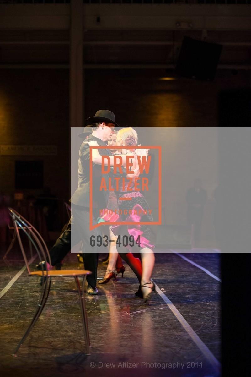 Performance, Photo #693-4094