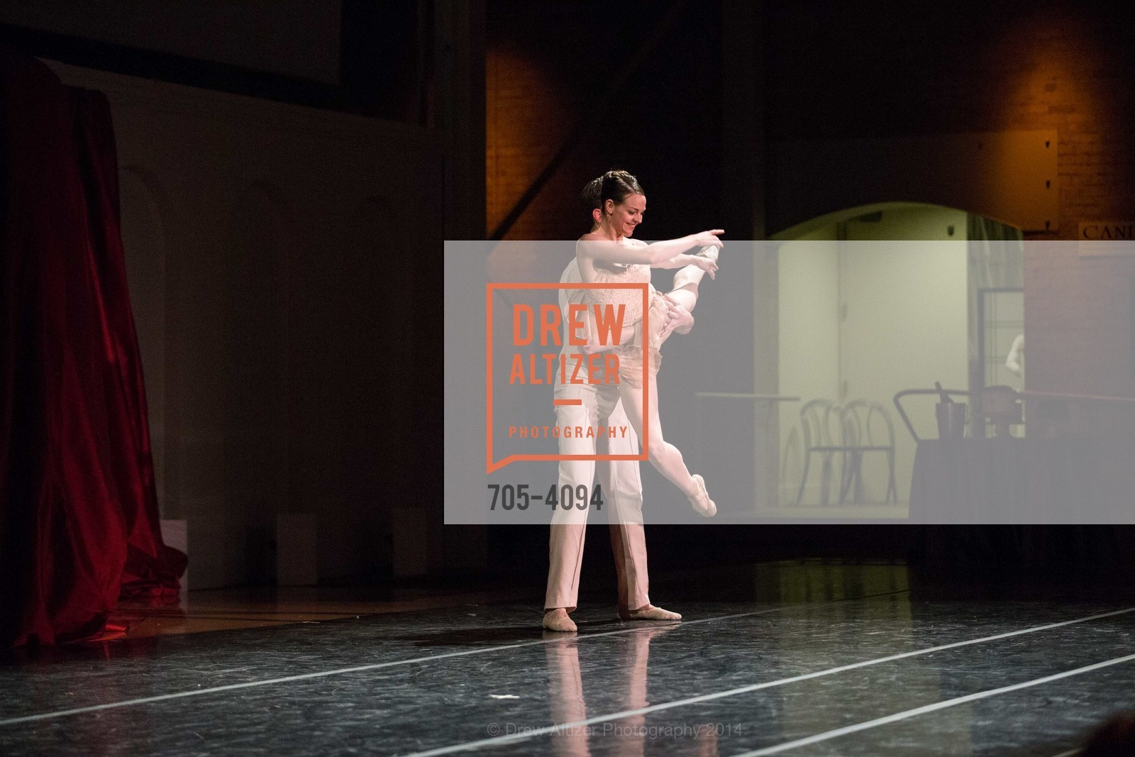 Performance, Photo #705-4094