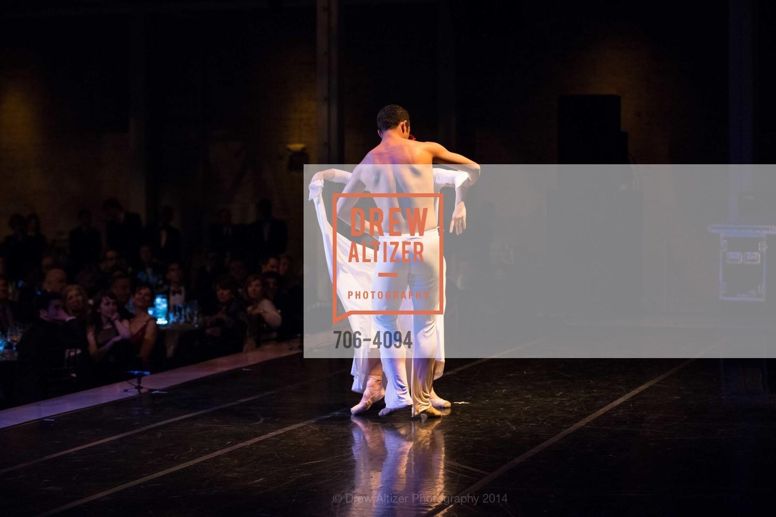 Performance, Photo #706-4094