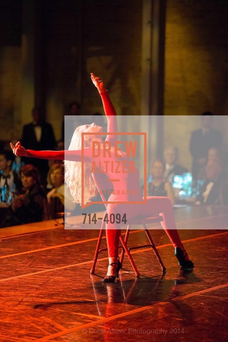Performance, Photo #714-4094