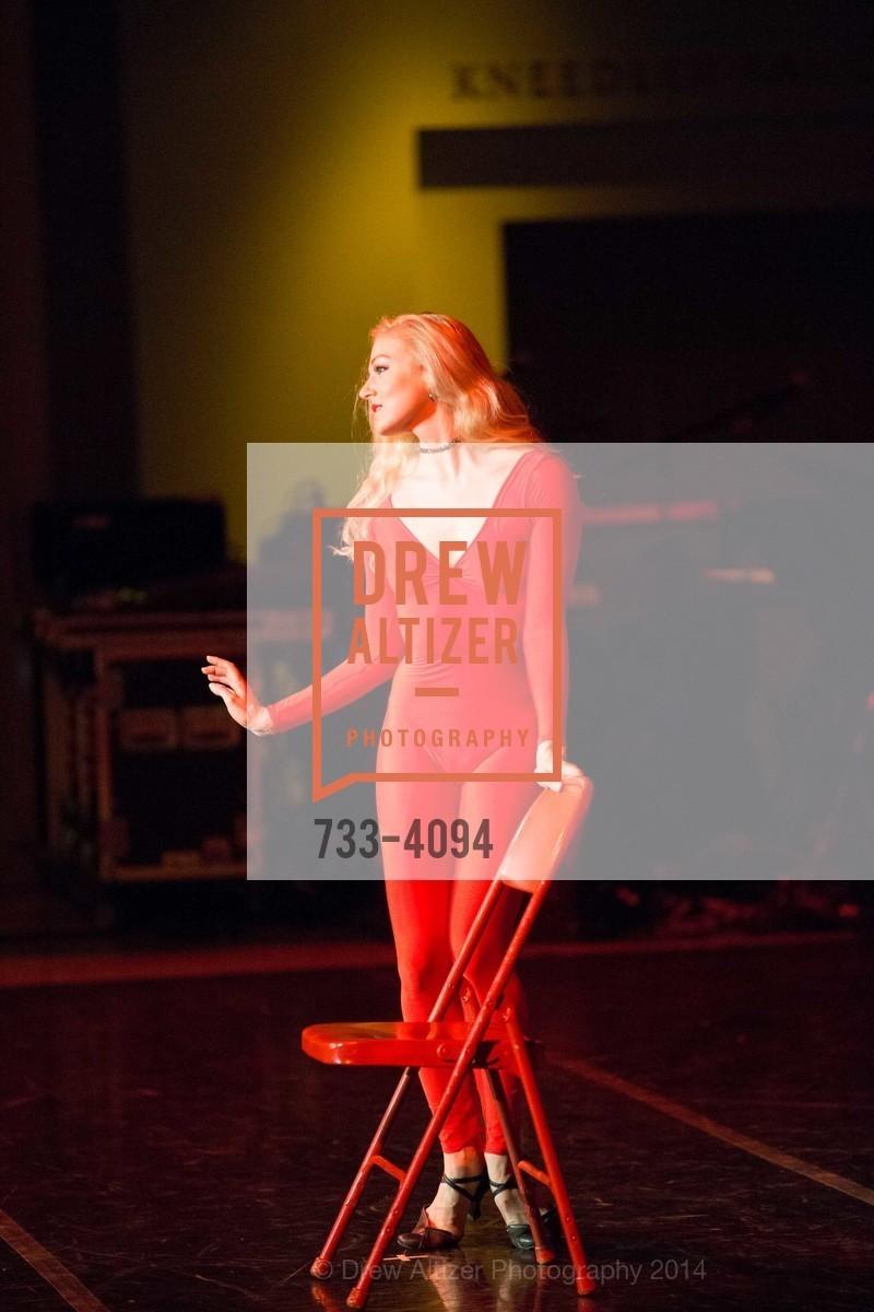 Performance, Photo #733-4094