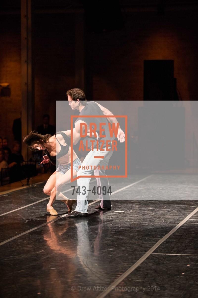 Performance, Photo #743-4094