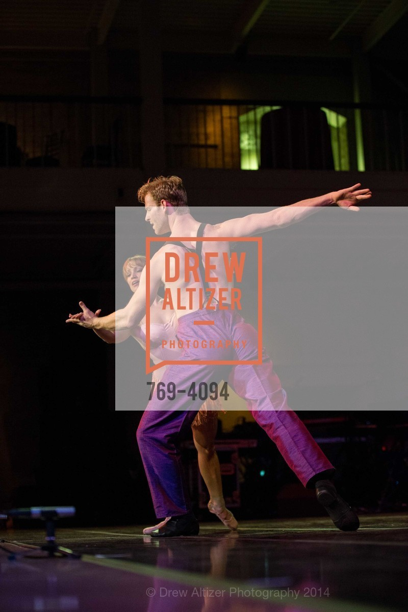 Performance, Photo #769-4094