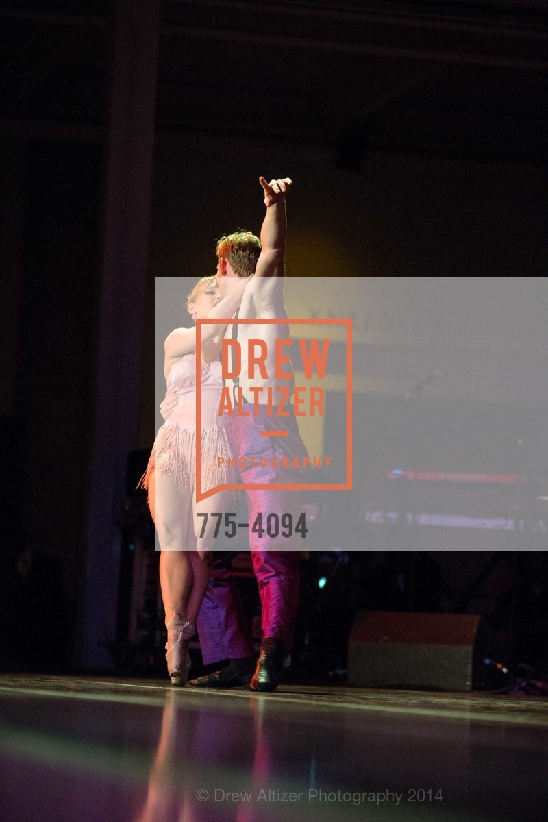 Performance, Photo #775-4094