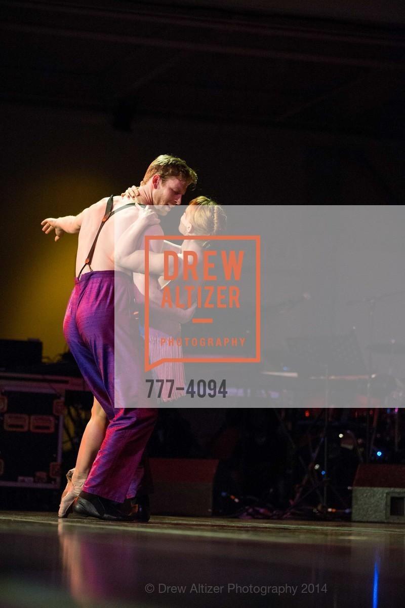 Performance, Photo #777-4094