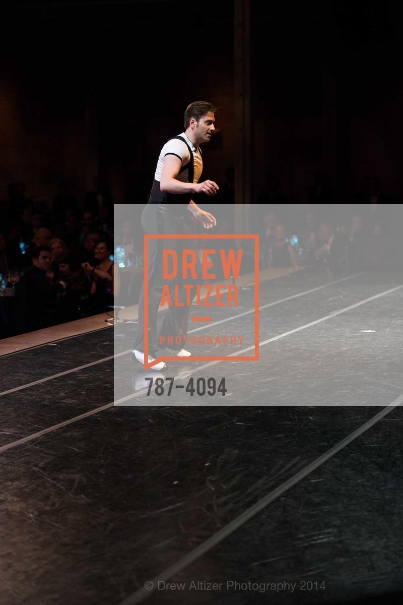Performance, Photo #787-4094