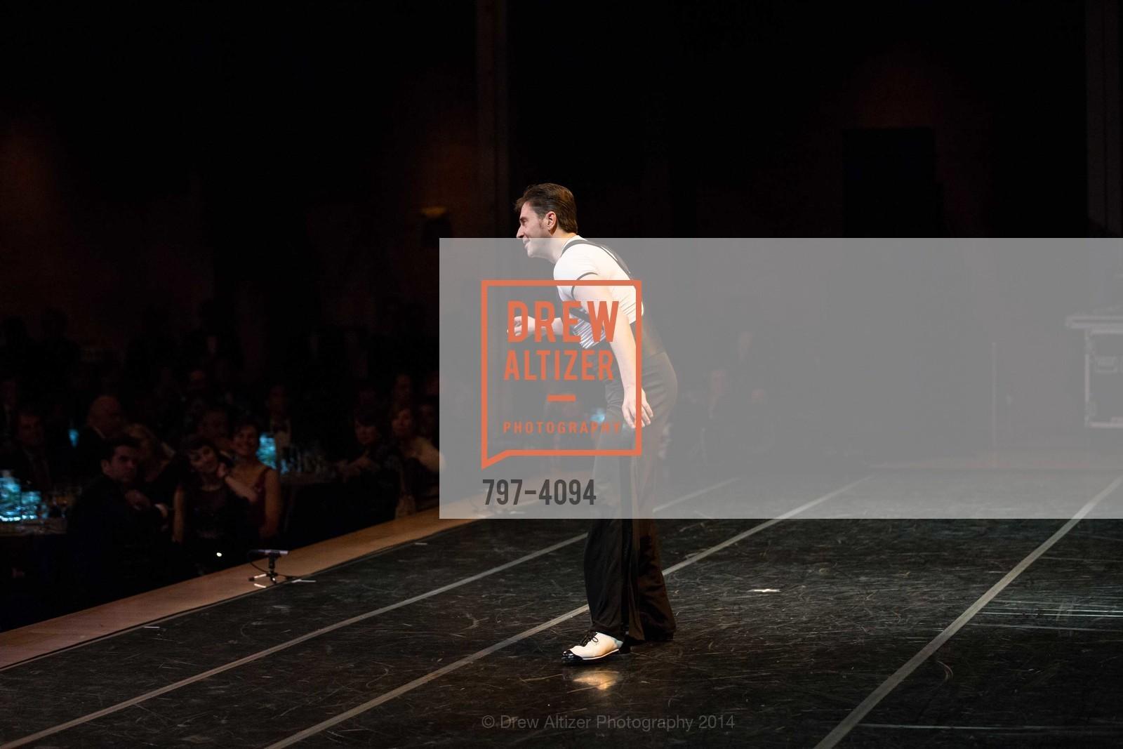 Performance, Photo #797-4094