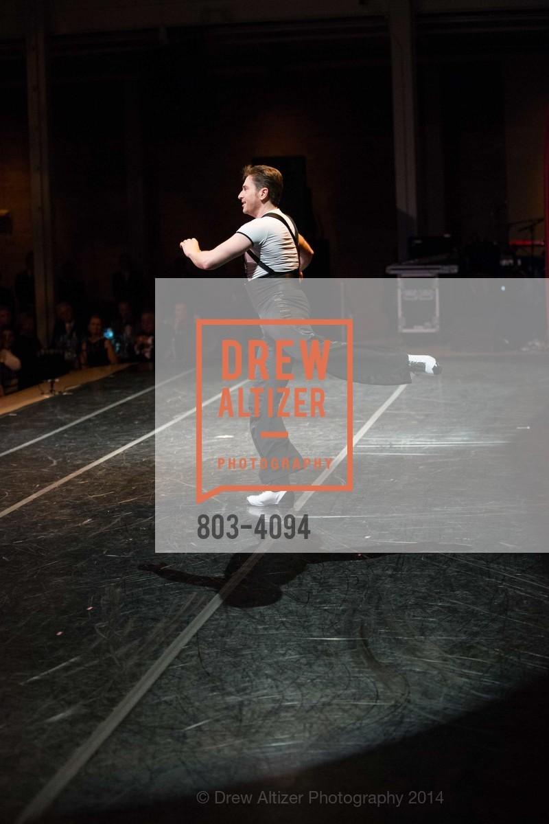 Performance, Photo #803-4094