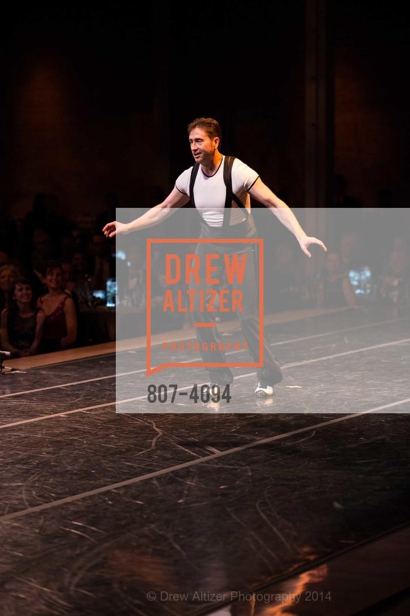 Performance, Photo #807-4094