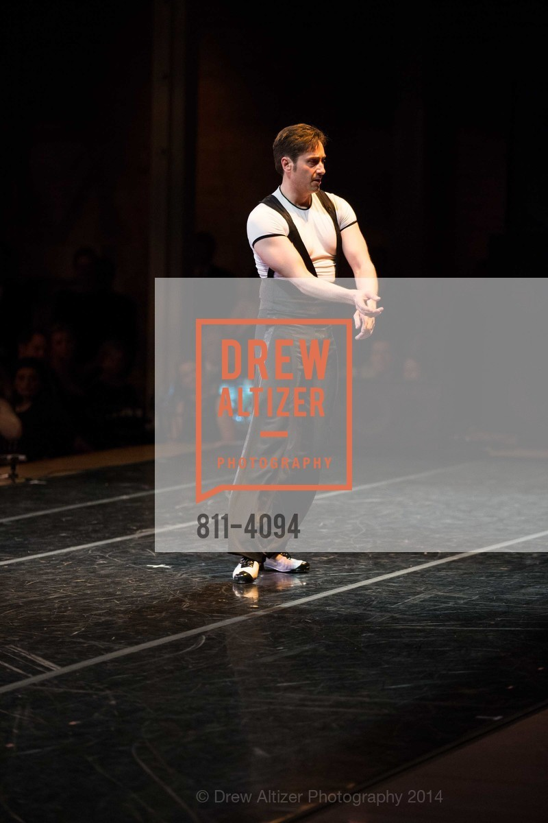 Performance, Photo #811-4094