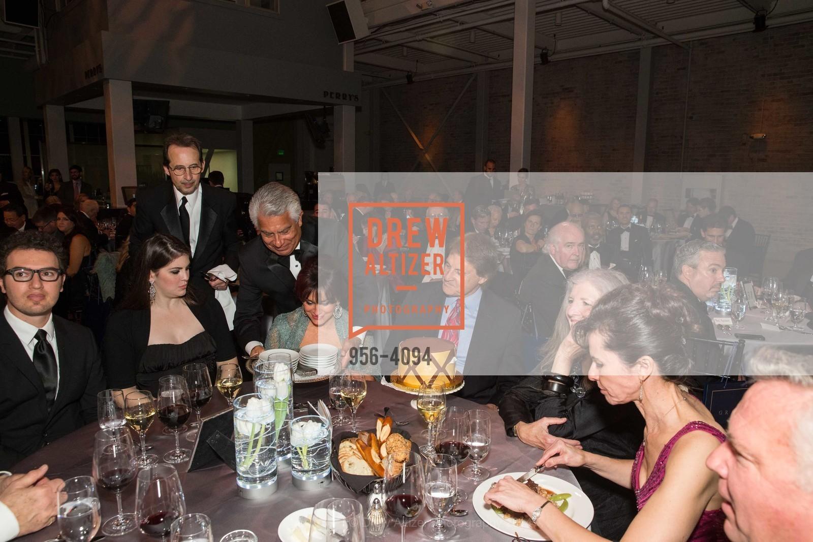 Ryan Torres, Devon La Russa, Elaine La Russa, Tony La Russa, Leah Garchik, Photo #956-4094