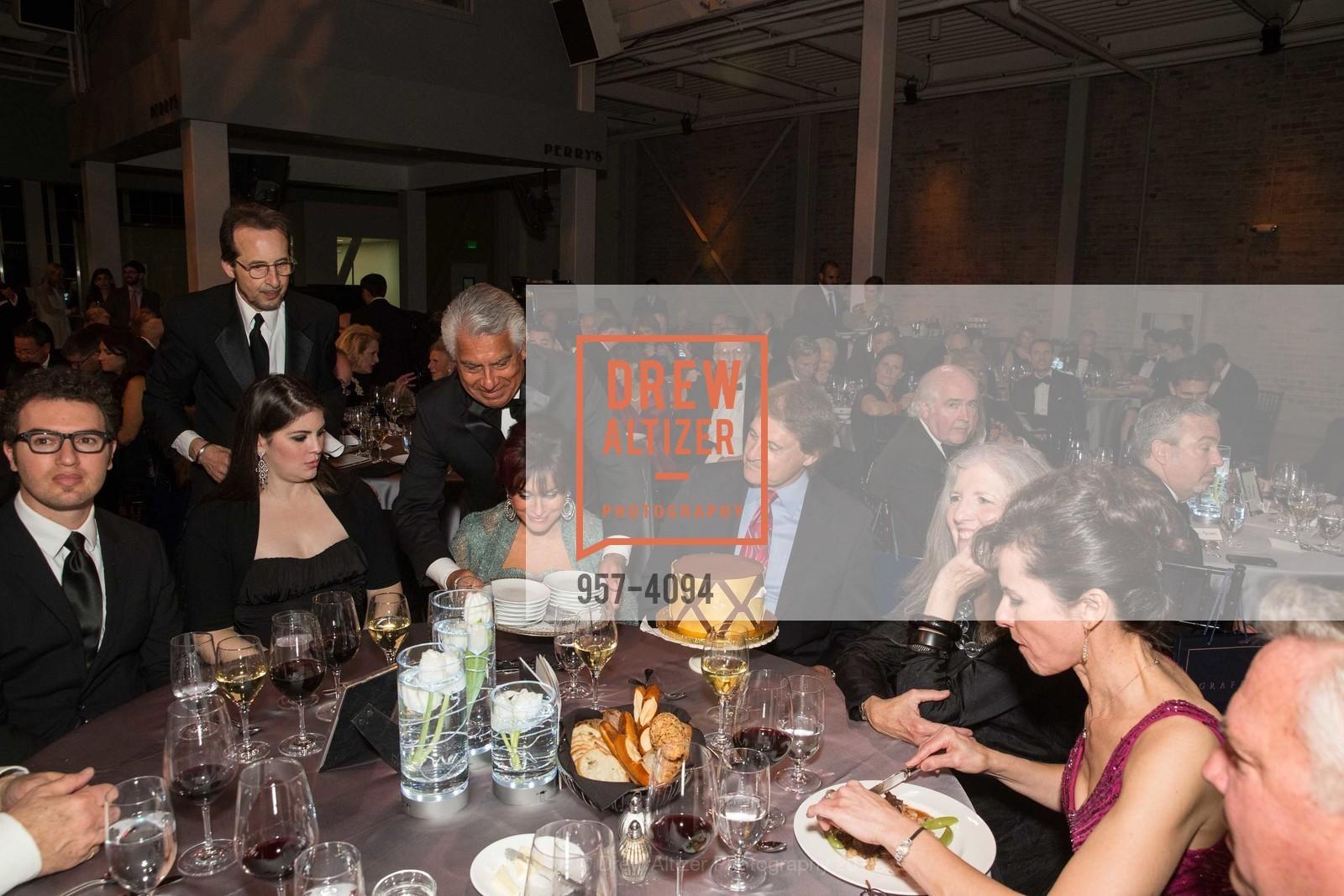 Ryan Torres, Devon La Russa, Elaine La Russa, Tony La Russa, Leah Garchik, Photo #957-4094