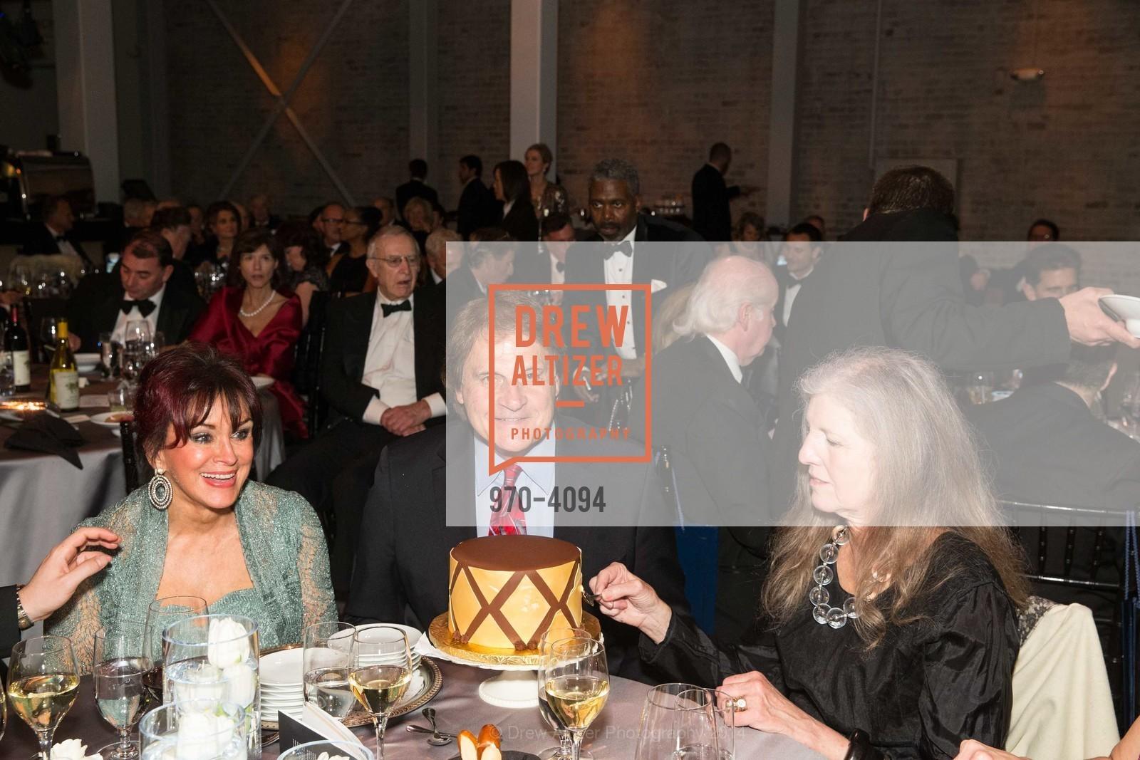 Elaine La Russa, Tony La Russa, Leah Garchik, Photo #970-4094