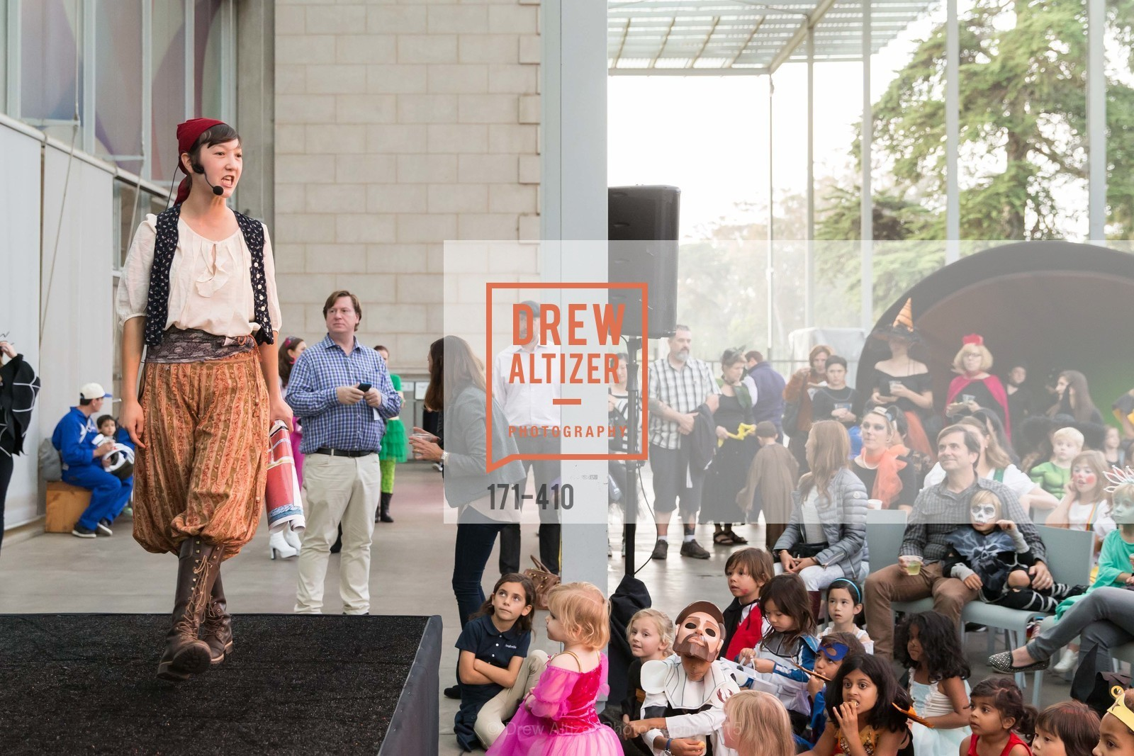 Performance, California Academy of Sciences Presents SuperNatural Halloween 2015, California Academy of Science. 	55 Music Concourse Dr, October 23rd, 2015,Drew Altizer, Drew Altizer Photography, full-service agency, private events, San Francisco photographer, photographer california