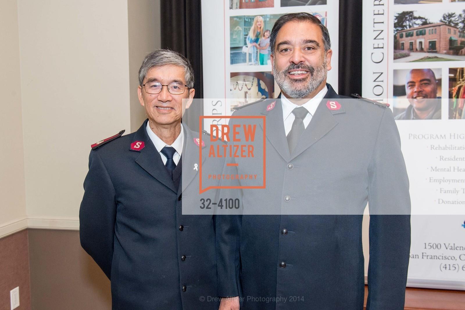 Maj. Thomas Mui, Maj. Beau Perez, Photo #32-4100