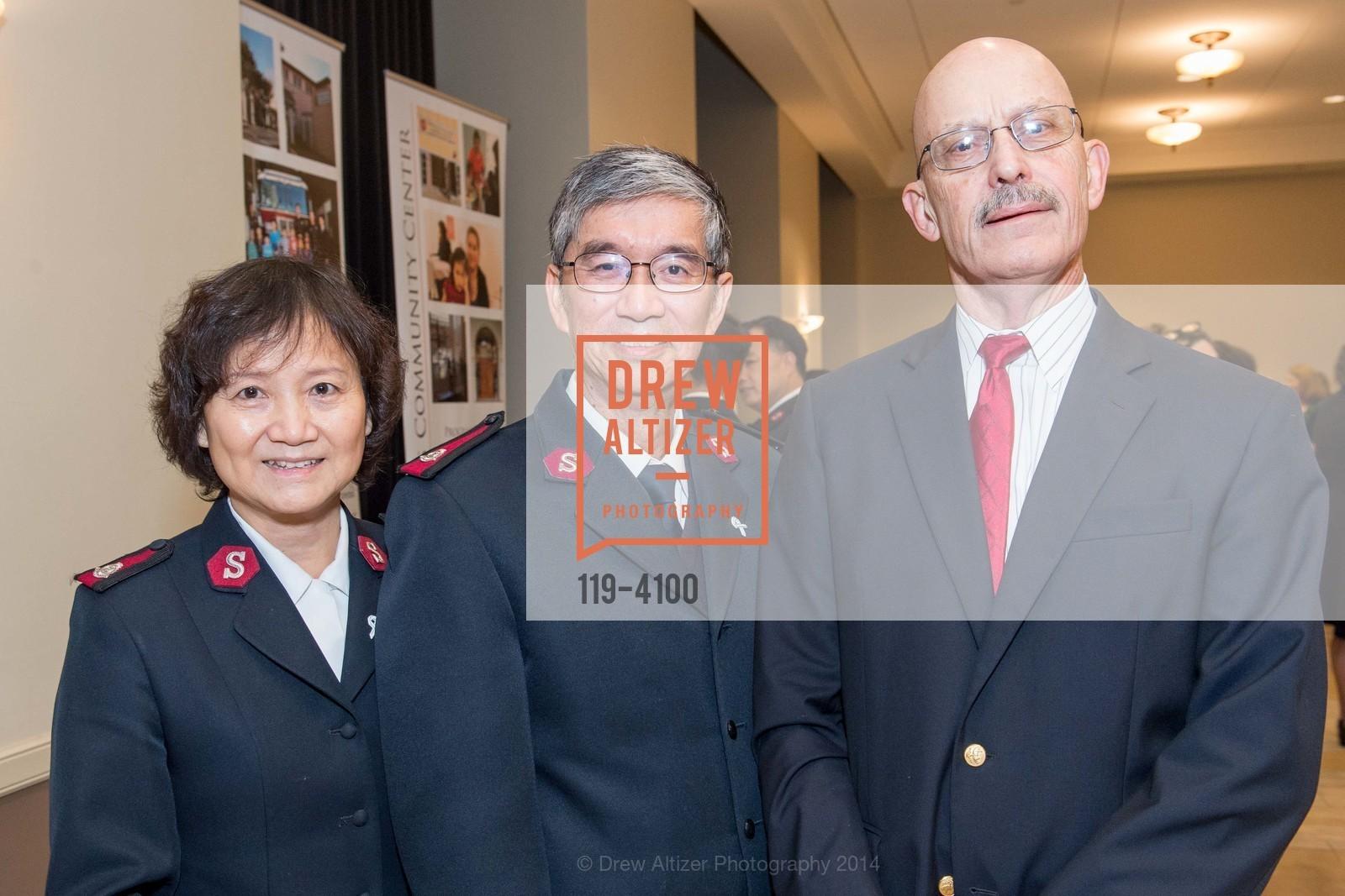 Maj. Joy Mui, Maj. Thomas Mui, Jim Eyres, Photo #119-4100