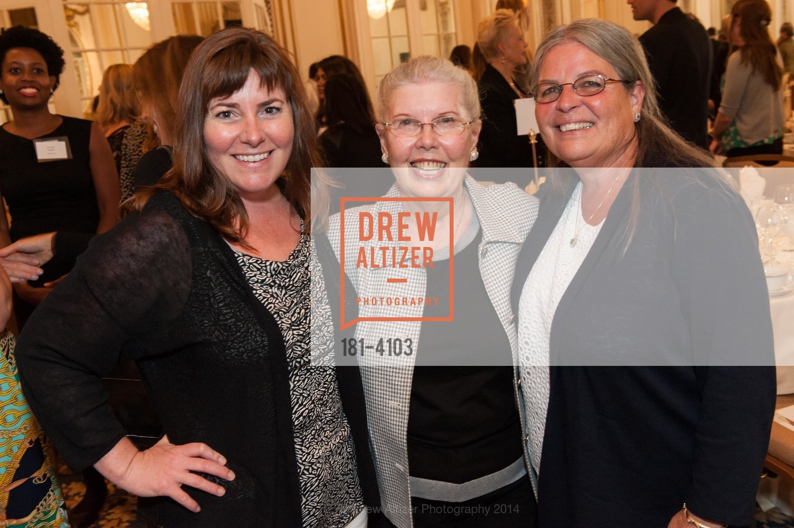 Mikee Gilzea, Pat Gilzea, Suzi Schaffert, Photo #181-4103