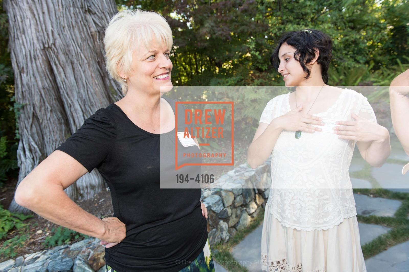 Pat Miljanich, Gabriella Cruz, Photo #194-4106